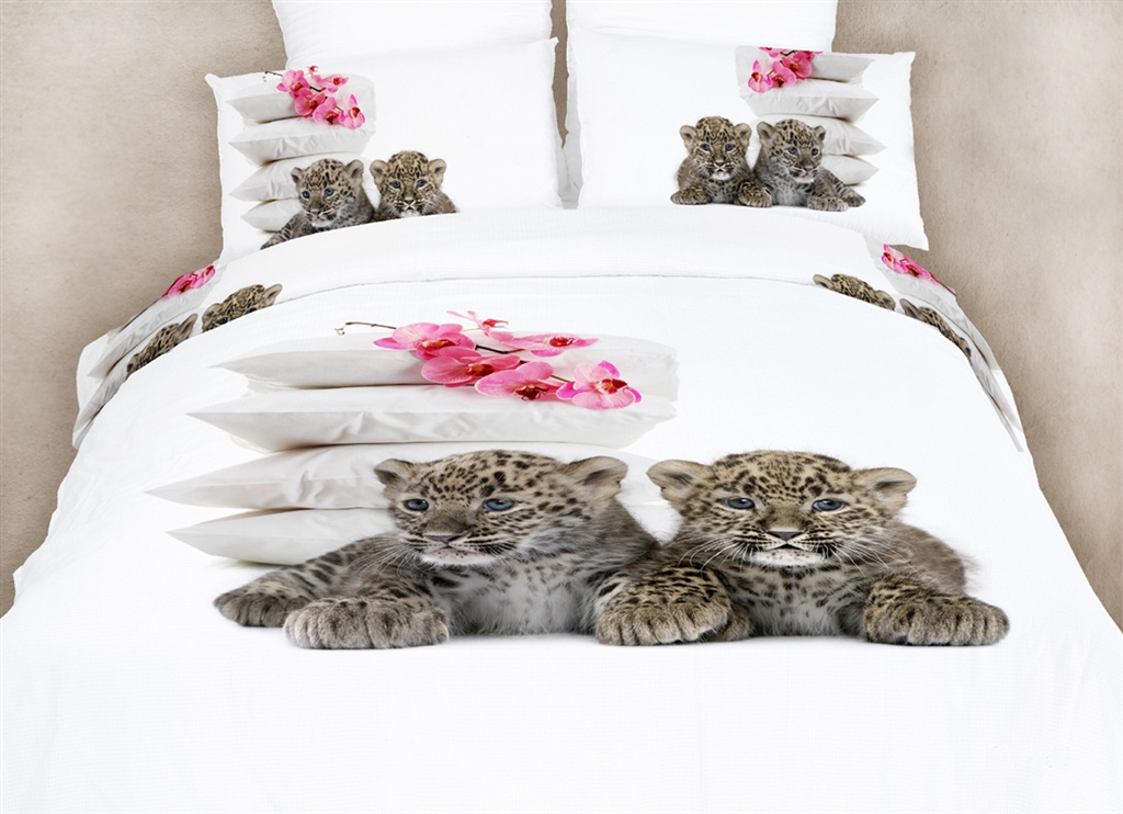 Dolce Mela Queen Bedding Fun Animal Print Design Duvet Cover Set