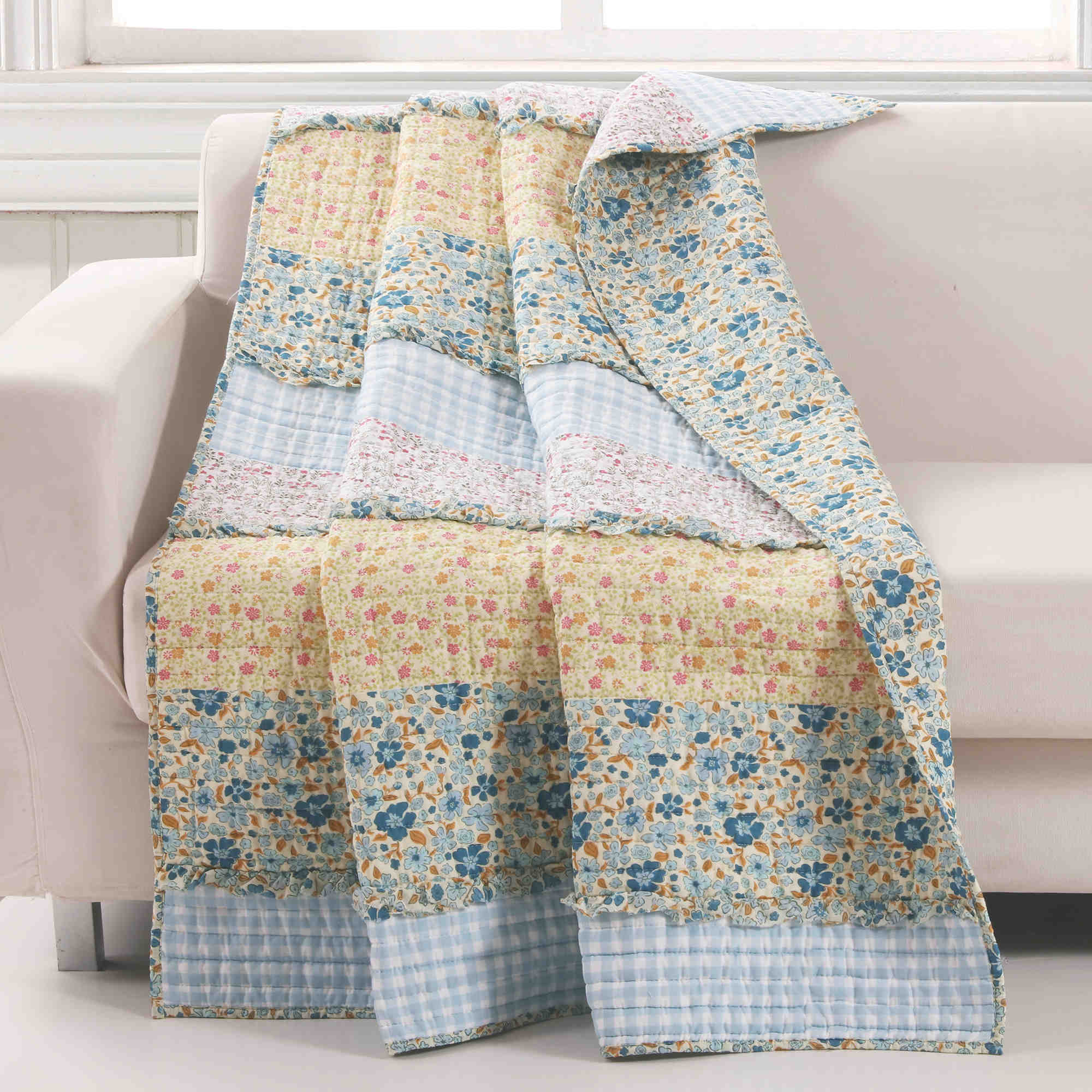 Ditsy Ruffle Multi Accessory Throw