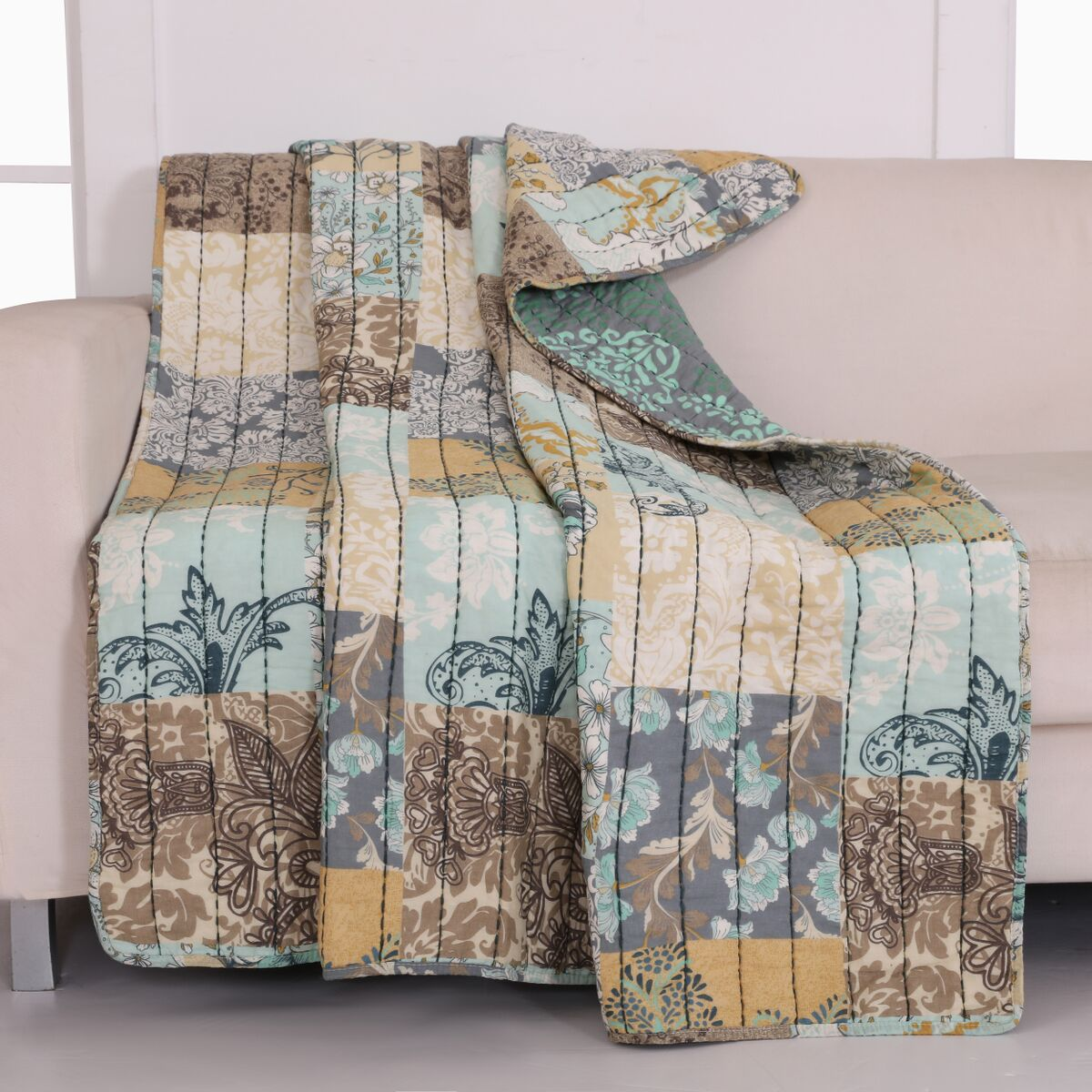 Elle Multi Accessory Throw