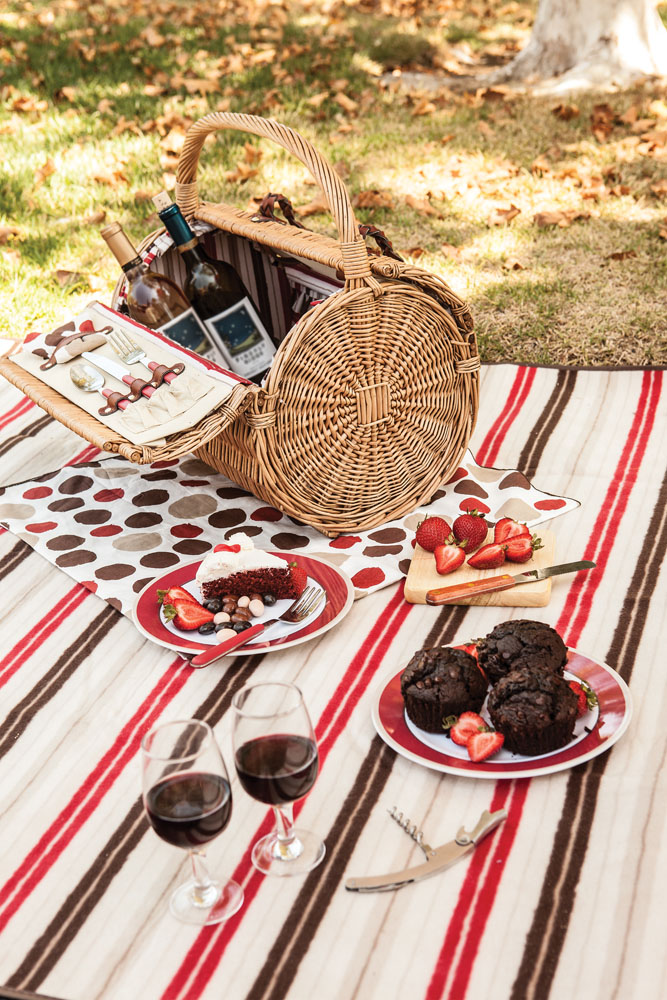 Barrel Picnic Basket Brown