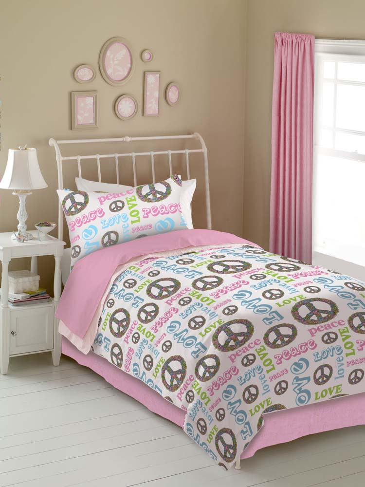 Veratex Peace And Love Comforter Set